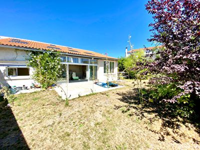 Ensemble immobilier Rochefort Centre 229.46 m2